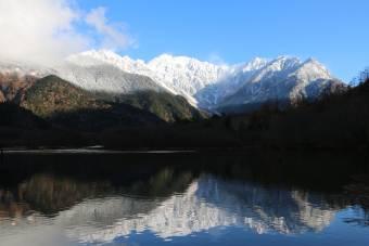 穂高連峰の雪